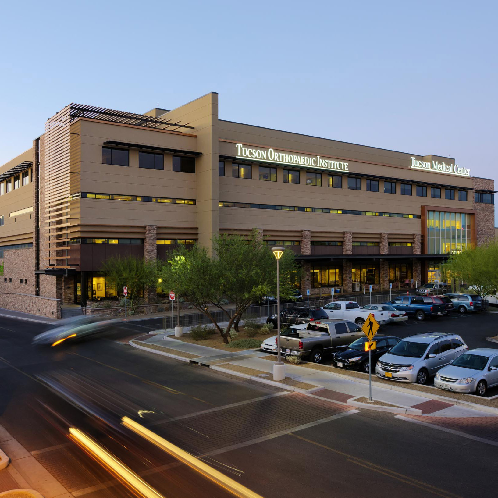 tucson medical center west pavilion campus development and parking garage barker contracting inc. Black Bedroom Furniture Sets. Home Design Ideas